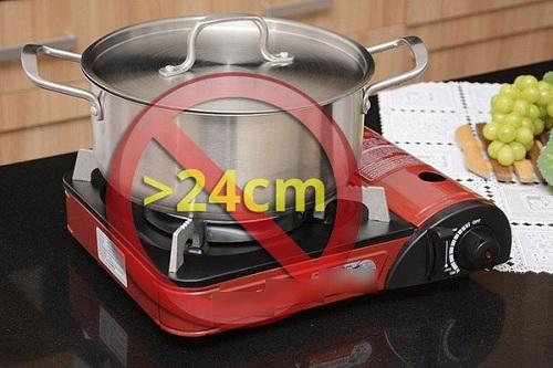 Không dùng nồi quá lớn cho bếp gas mini